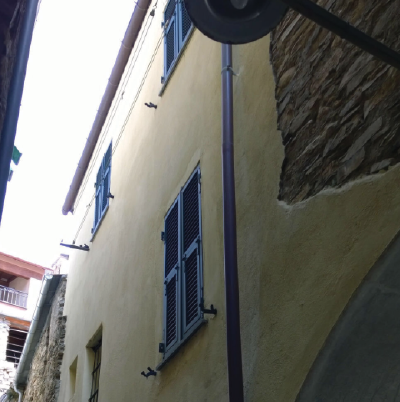 Rifacimento e ristrutturazione abitazione di 3 livelli in Lucinasco (Im)